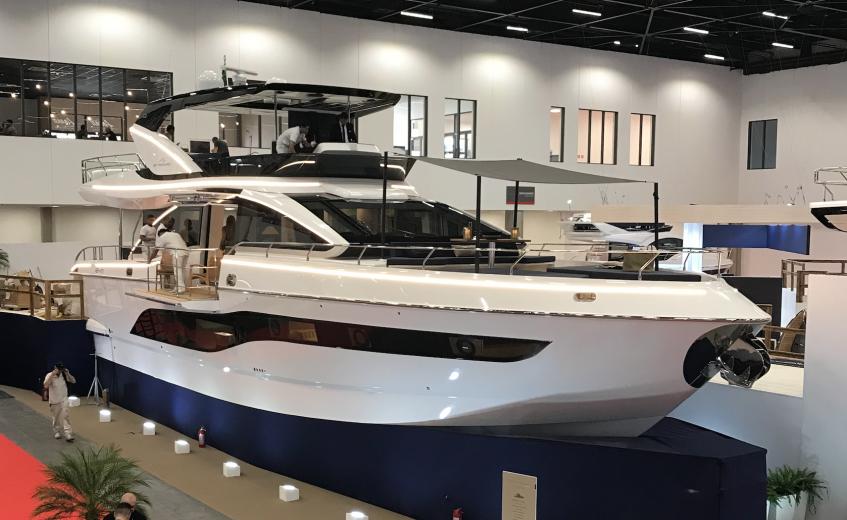 Nova Intermarine 24M é apresentada oficialmente